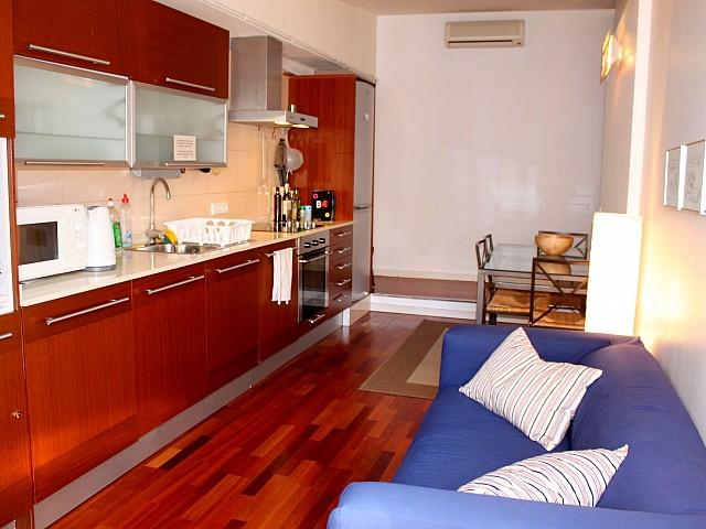 Новая кухня квартиры в аренду в Готическом квартале