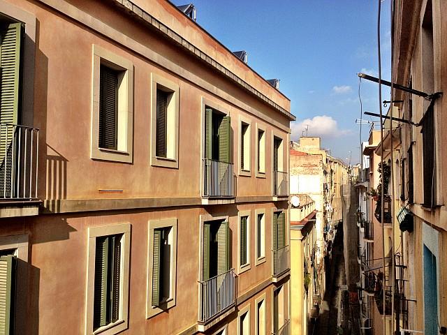 Вид из окон квартиры в аренду в Готическом квартале