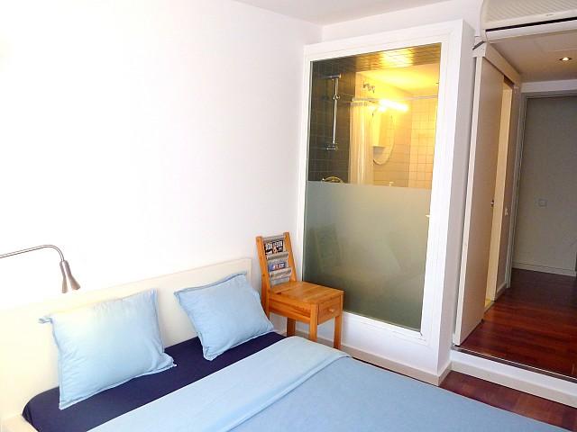 Sala de estar de precioso apartamento en alquiler en Barcelona