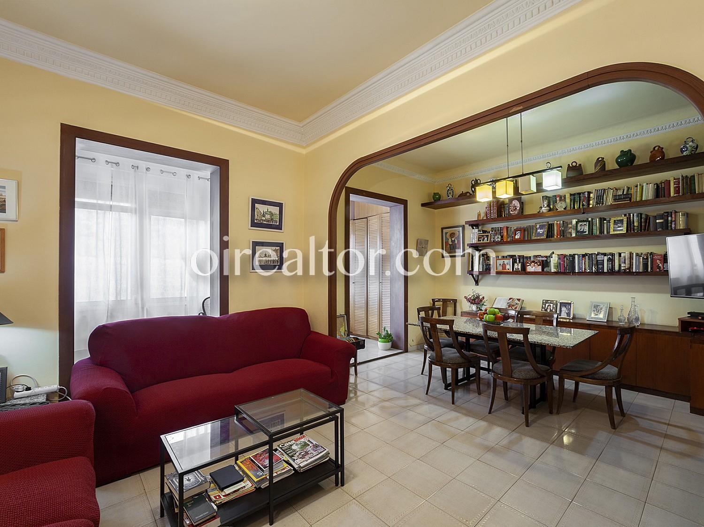 Продается квартира в Калле Брюк-Эшампле Деречо, Барселона.