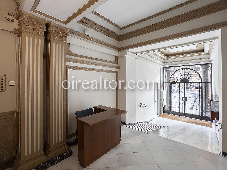 Продается квартира в Виа Лайетана, Барселона.