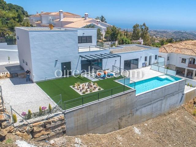 Villa des neuen Aufbaus im zeitgenössischen Stil