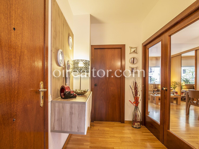 Продается отличная квартира на Рамбла де Побленоу, Барселона