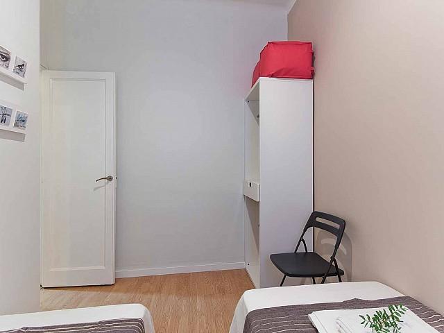 Belle chambre dans appartement luxueux pour séjour à Barcelone