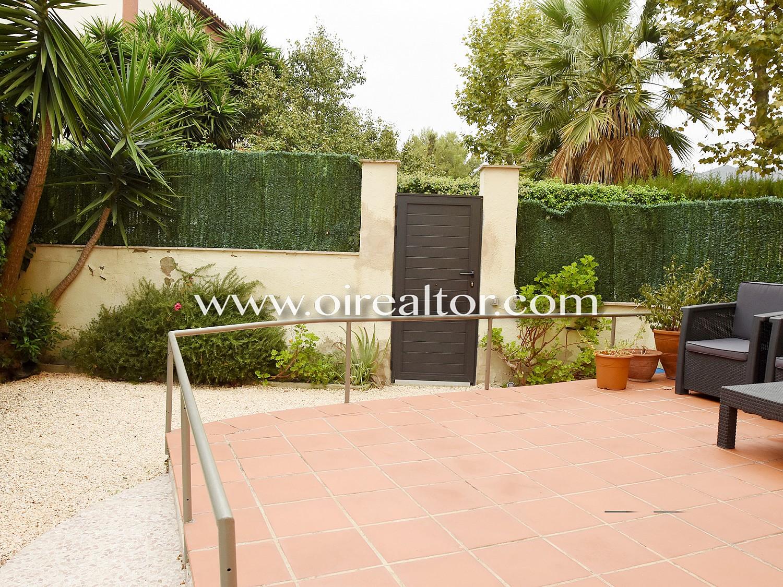 Квартира для продажи в Тиана с частным садом