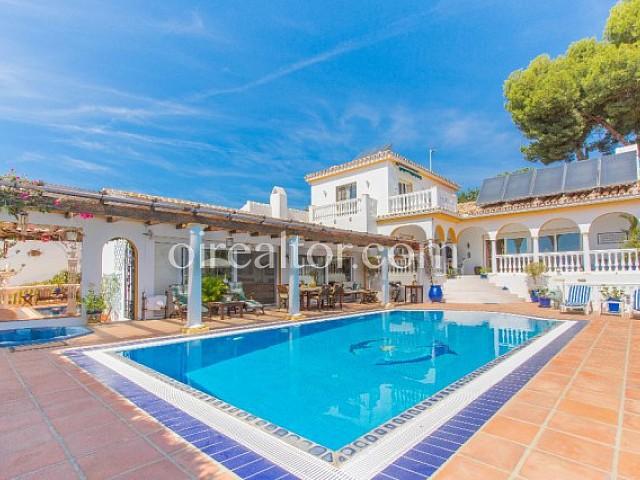 Villa en venta en La Sierrezuela, Mijas, Málaga