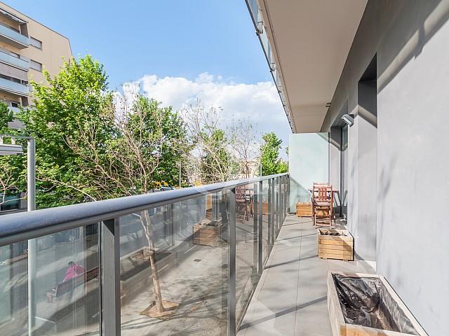 Солнечная терраса квартиры на продажу в Побленоу