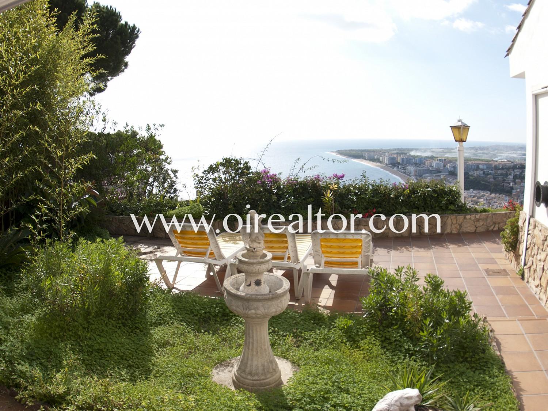 Вилла с видом на море в Бланесе - Сант Джоан.