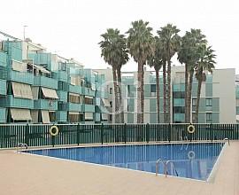 Продается квартира с бассейном в Бадалоне