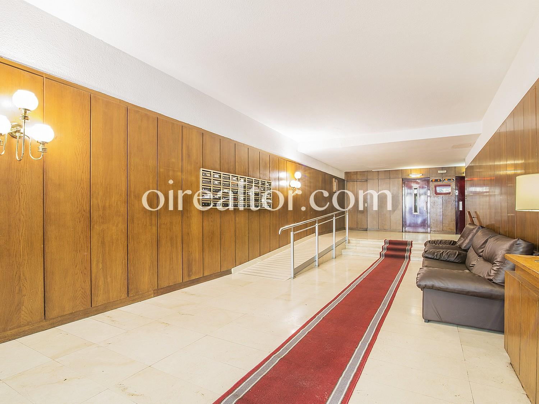 Красивая квартира на продажу в Эшампле Изкиердо, Барселона.