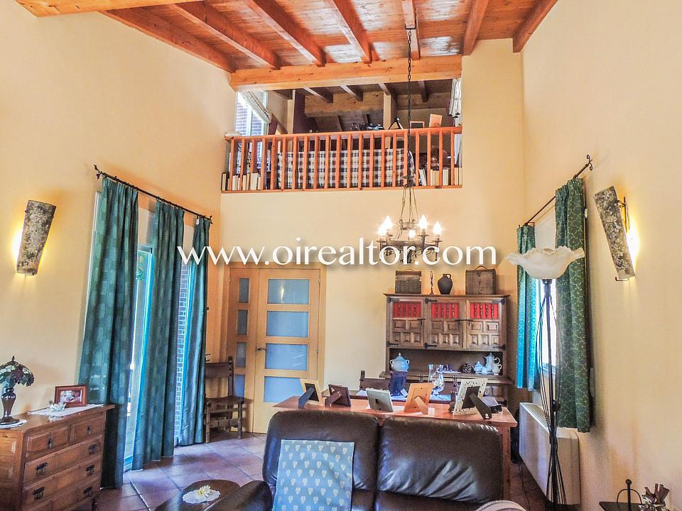 Продаётся очаровательный особняк в урбанизации La Goba в Видререс, Жирона