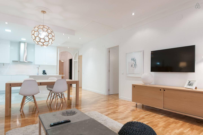 Wohn-Esszimmer und Küche