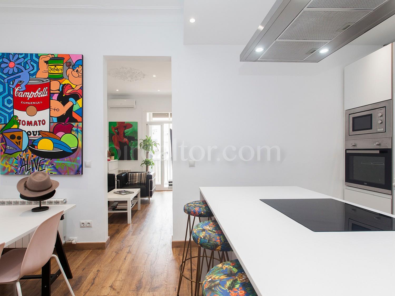 Красивая квартира на продажу в левом Эшампле, Барселона.