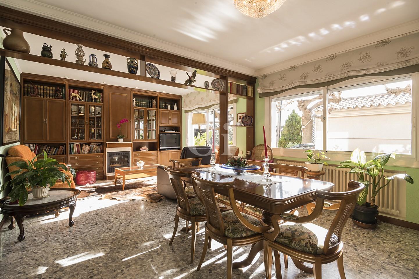 Просторная гостиная дома на продажу в Премья де Далт
