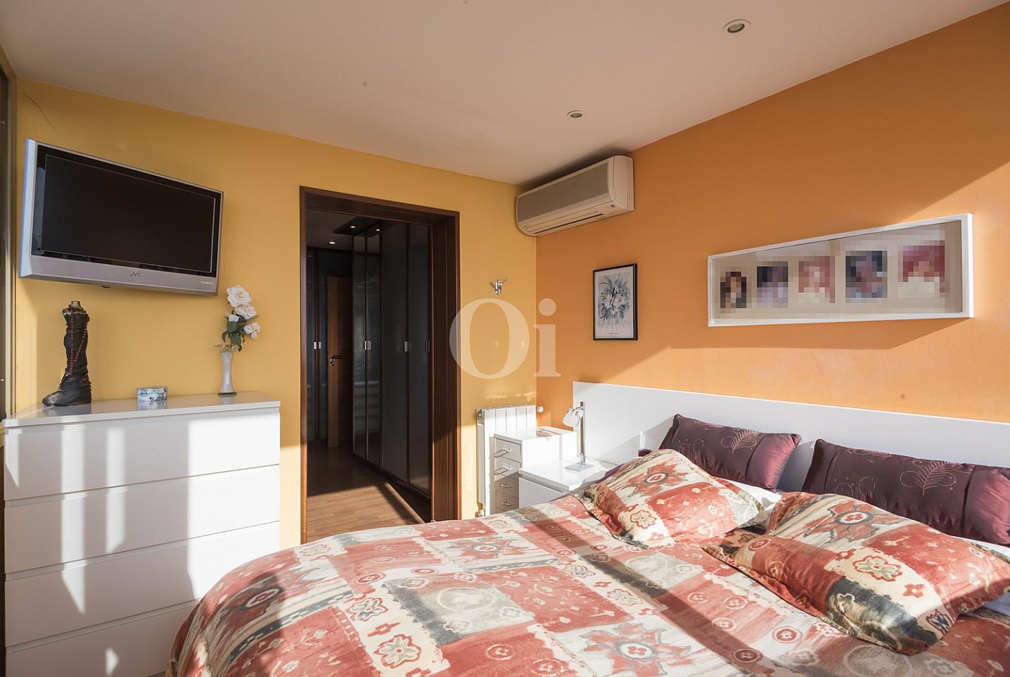 Шикарная спальня дома на продажу в Премья де Далт