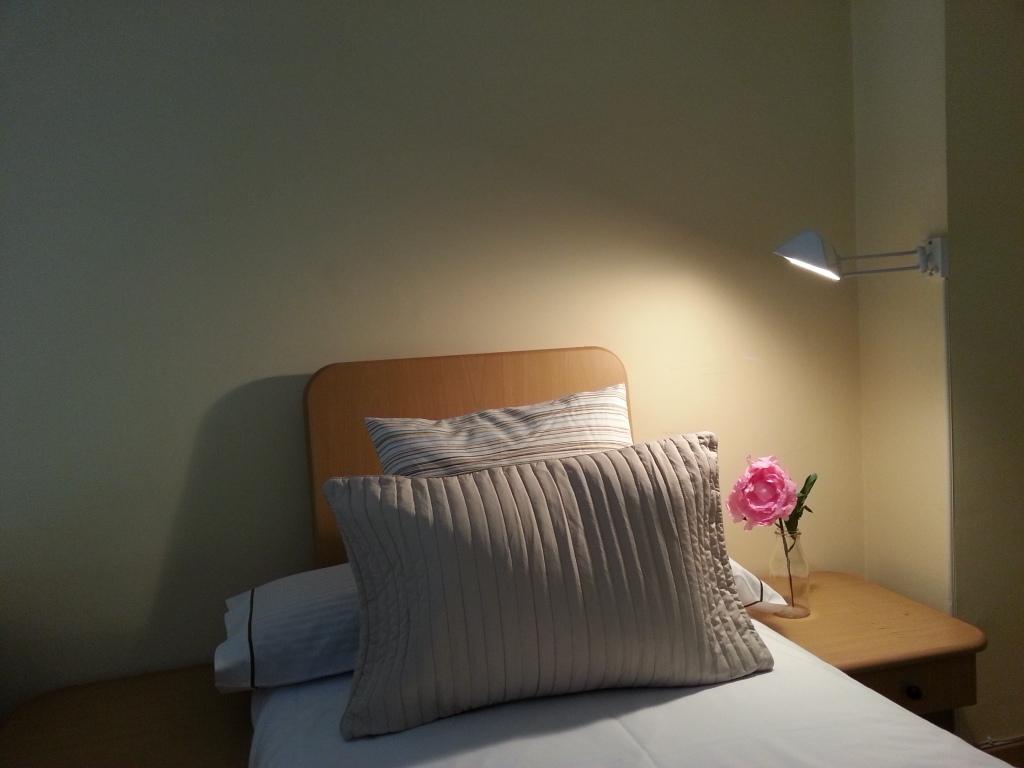 Шикарная спальня квартиры в аренду в Готическом квартале