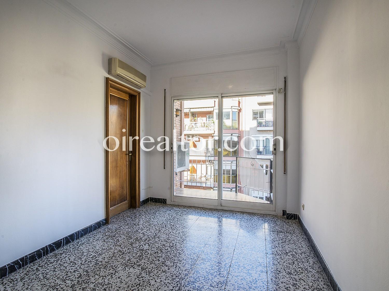 Продается квартира в Саграда Фамилия, Барселона.