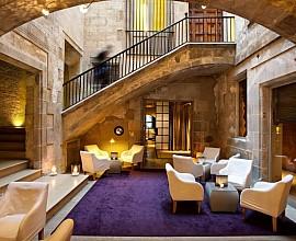 Продается особняк в стиле барокко в Барселоне