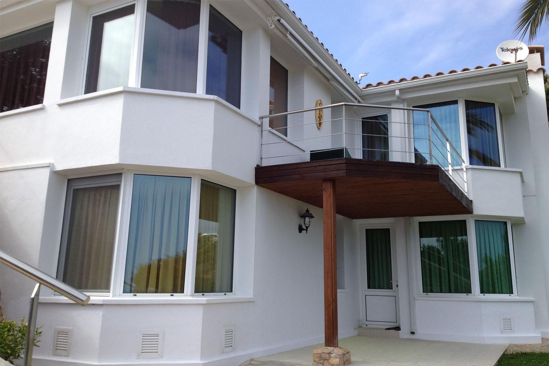 Вид на дома на продажу в Льорет де Мар