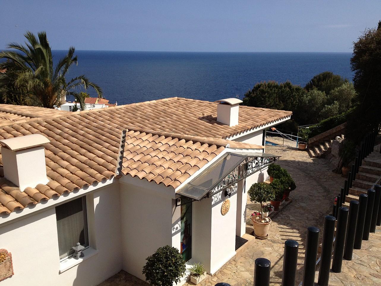 Вид на море из дома на продажу в Льорет де Мар