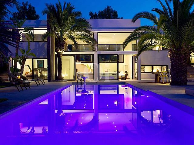 Espectacular vila de luxe a Cala Bou, Eivissa