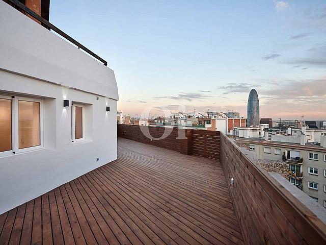Magnífica terrassa amb vistes a la ciutat