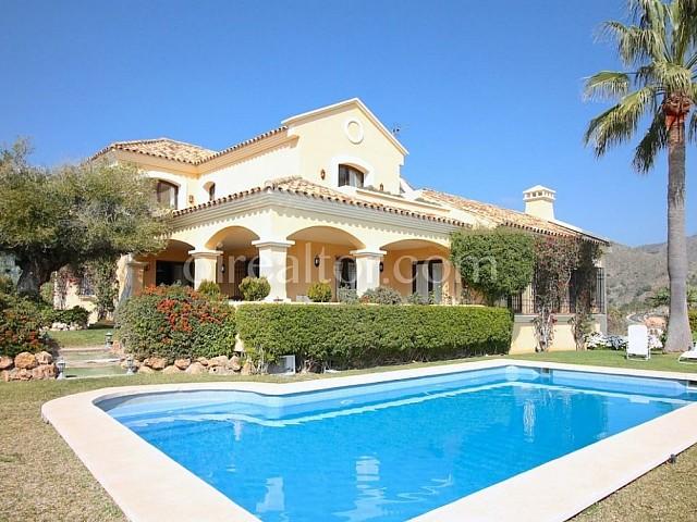 Villa en venta en La Quinta, Málaga