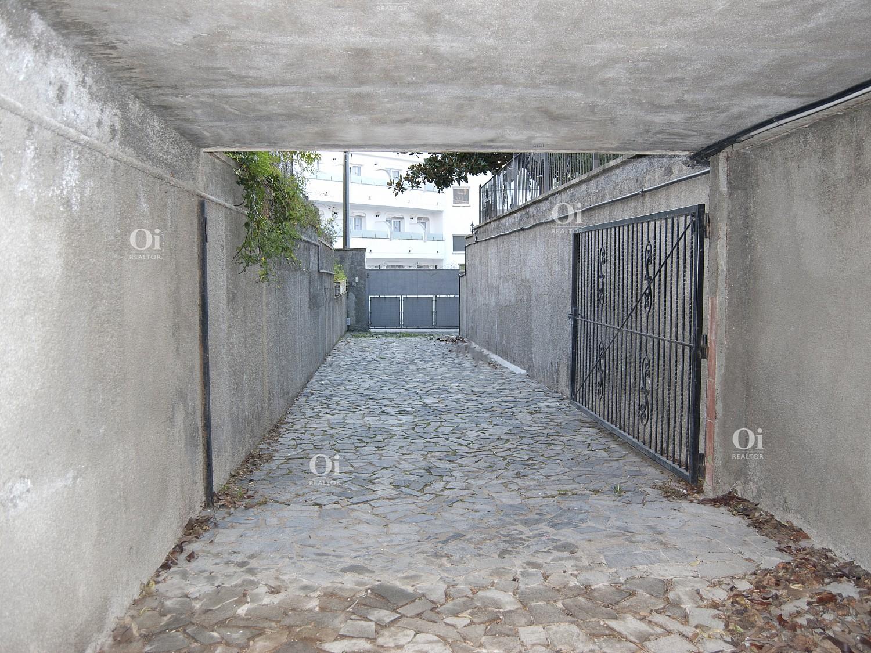 Эффектная вилла на продажу в Льорет-де-Мар