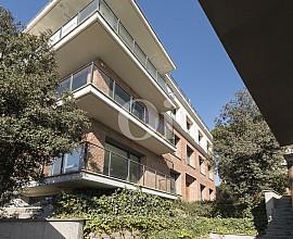 Gran casa aïllada en venda a Vallvidrera