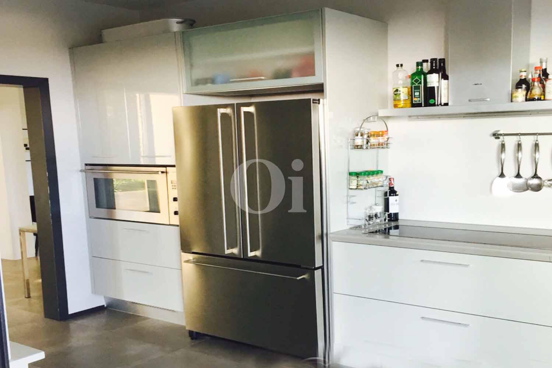 Просторная кухня дома на продажу в Кан Мартинет