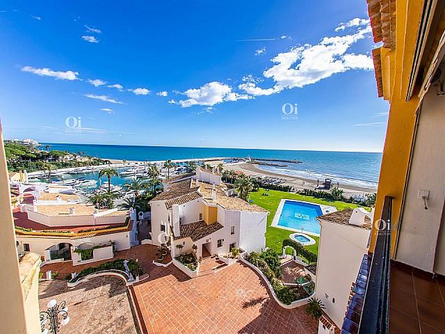 شقة للبيع ميناء كابوبينو. Elviria في. ماربيا