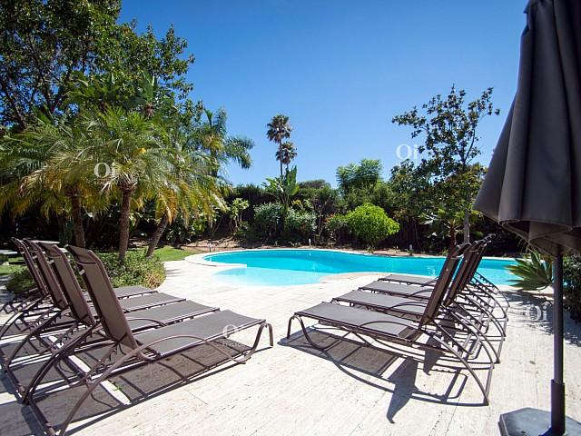 3Villa en venta en El Paraíso, Malaga