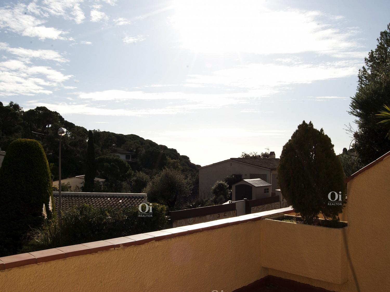 Два таунхауса для продажи в престижной урбанизации Санта-Мария-де-Льорелл, Тосса-де-Мар