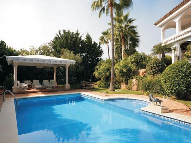 Casa en venta en Marbella, Málaga.