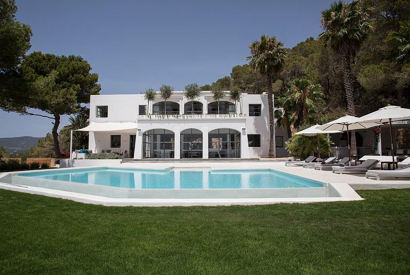 Impresionante villa de lujo en alquiler en ibiza oi realtor - Apartamentos ibiza alquiler ...