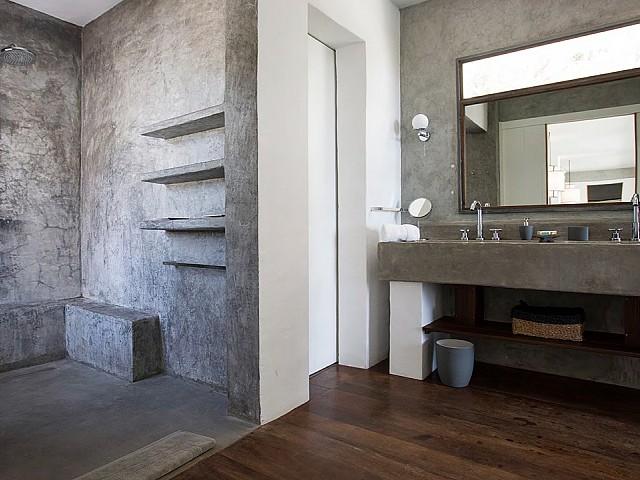 Ванная комната виллы в аренду на Ибице