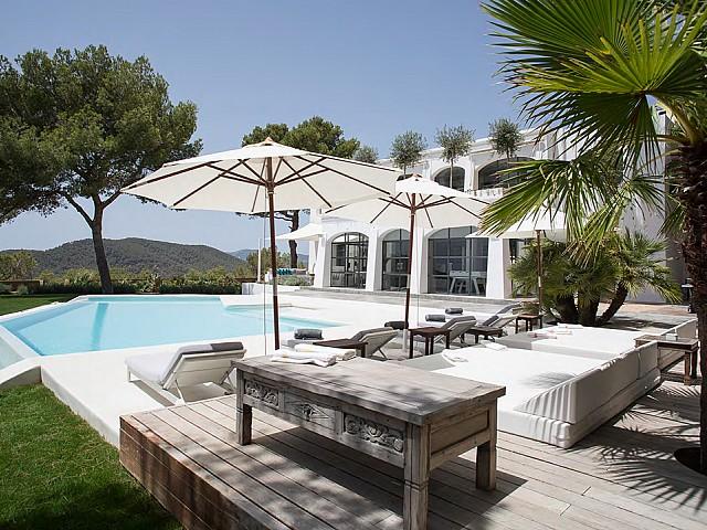 Impresionante villa de lujo en alquiler en  Ibiza