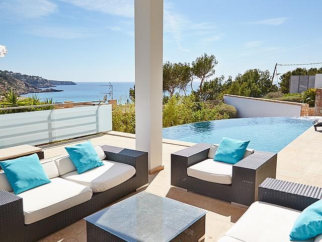 Luxosa vila moderna en lloguer a prop de Cala Tarida, Eivissa
