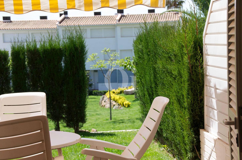 Солнечная столовая таунхауса на продажу в Сагаро