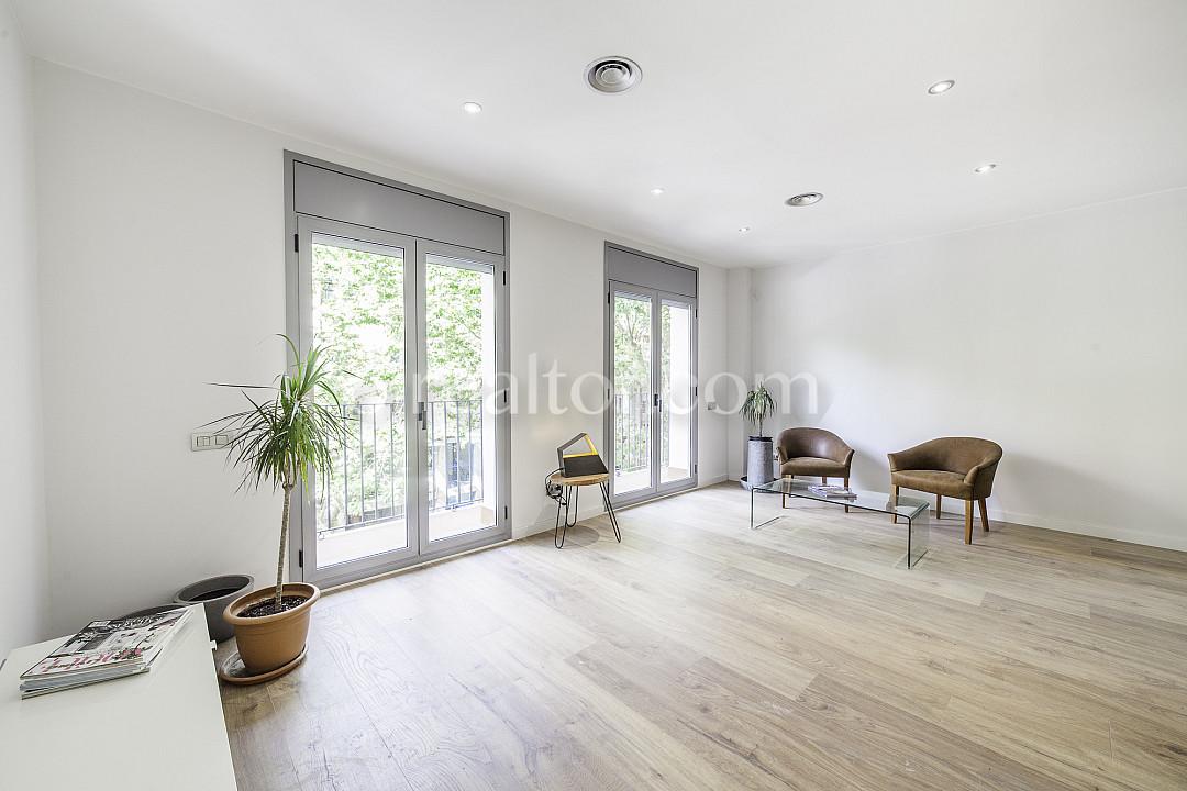Продается квартира новой постройки в Побленоу, Барселона.