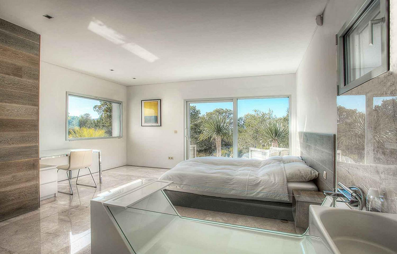 Dormitorio amplio con acceso al exterior