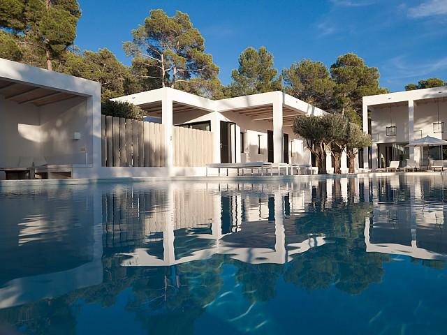 Lloguer d'una vila de luxe amb impressionants vistes a prop de San Carlos, Eivissa