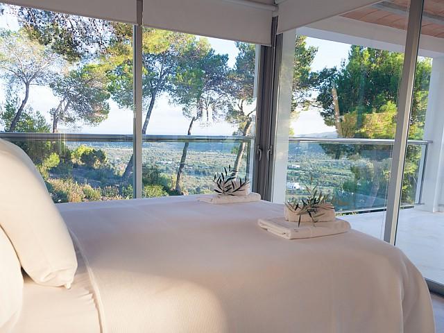 Dormitorio 1 con vistas al exterior