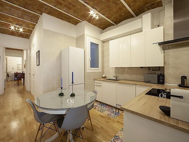 Apartamento à venda renovado em Eixample Izquierdo, Barcelona.