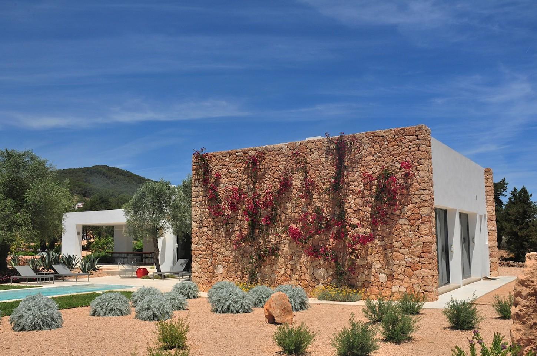 Ibicenca villa minimalista en alquiler cerca de san rafael ibiza oi realtor - Apartamentos ibiza alquiler ...