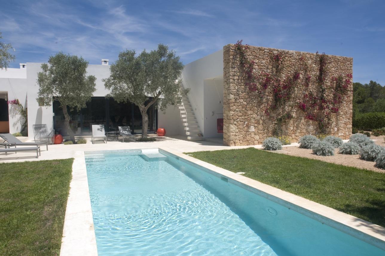 Ibicenca villa minimalista en alquiler cerca de san rafael for Ciudad jardin ibiza