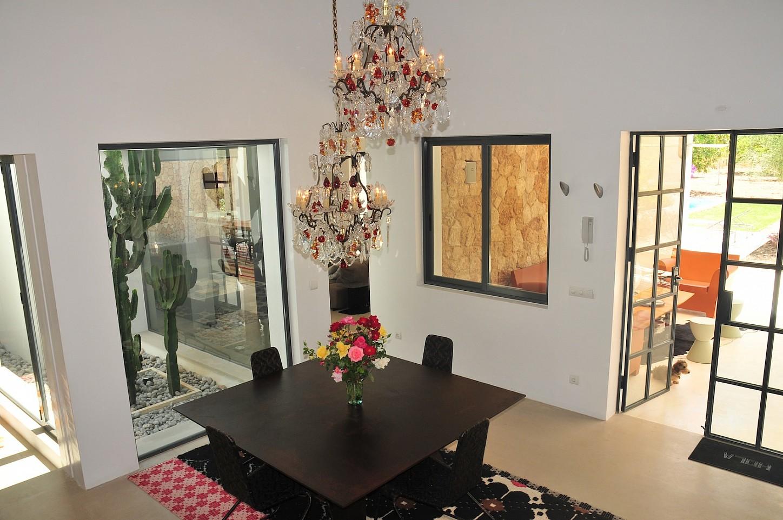 Роскошная гостиная виллы в аренду в Сан Рафаэль