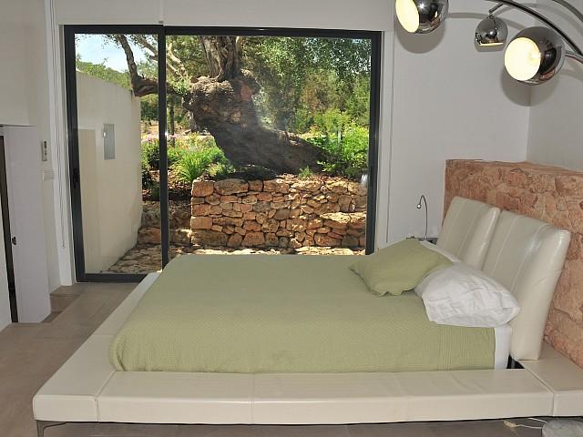Dormitorio 3 con acceso al jardín