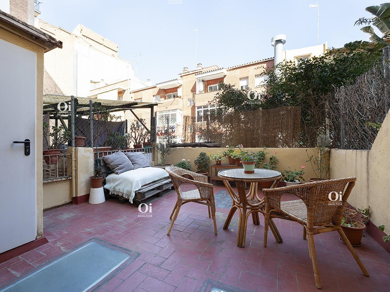 Красивая квартира на продажу для переезда в Грасию, Барселона.