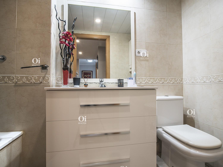 Красивая квартира на продажу в Ллорет де Мар, Коста Брава